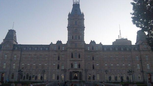 quebec-canada-parlement-voyage-travel