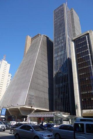 Bresil- Sao Paulo: L´Avenue Paulista, la plus belle avenue de Sau Paulo.