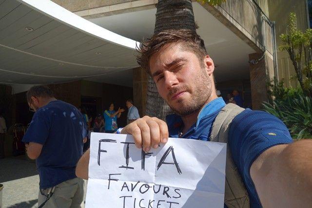Bresil- Coupe du Monde de Football 2014: Moi aussi j''ai eu a faire des reproches contre la Fifa!!!! Qui ne voulait pas annuler mon billet vole!